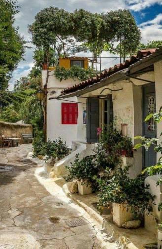 Αναφιωτικα :Ενα νησι στο κεντρο της Αθήνας!