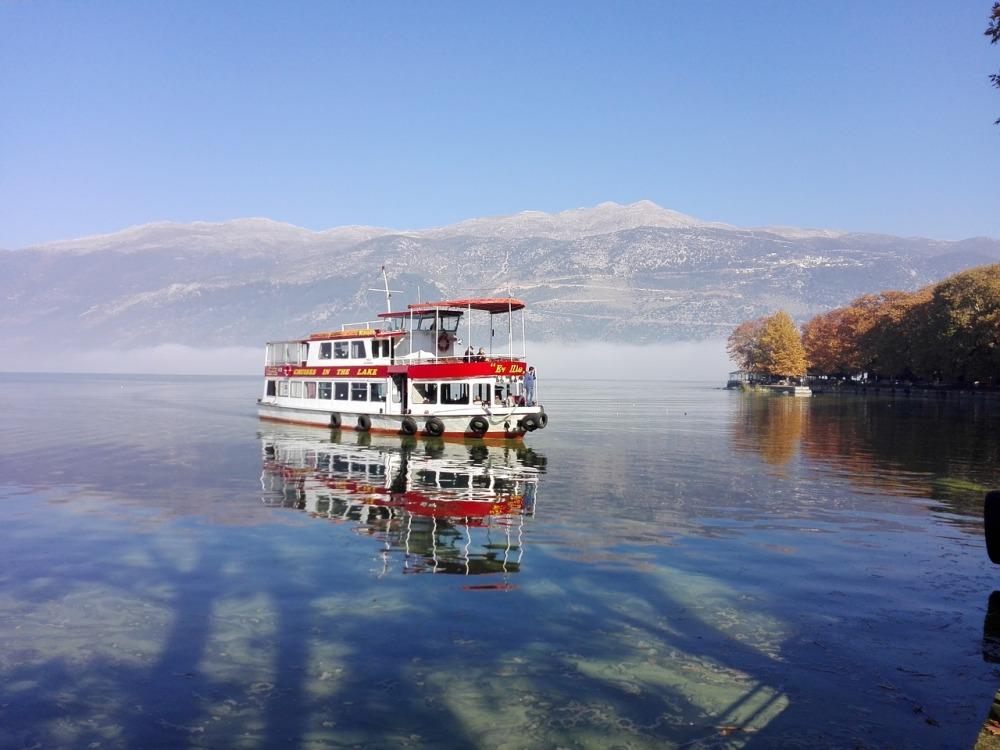 ioannina-boat