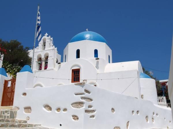 Εκκλησία στη Δονούσα