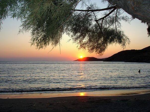 kythnos-παραλία